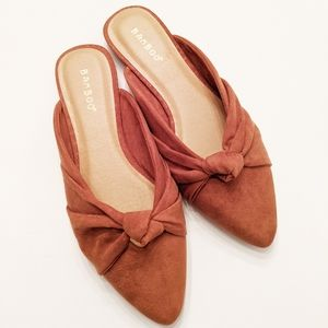 Brown knot mules bamboo new
